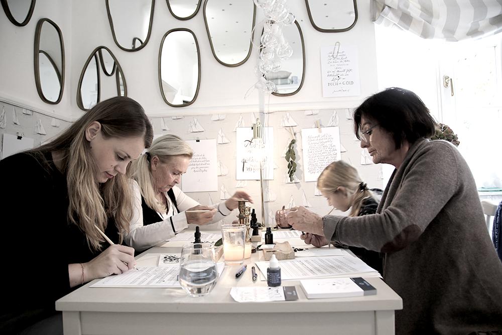 14 Kalligraphie Workshop Jeanette Mokosch | Villa Lotta (Lisa Jagenteufel) | Photograph (c) Maria Weiss