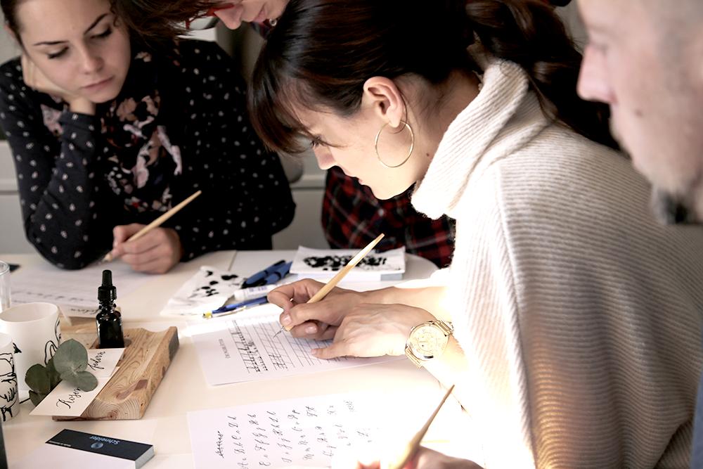 28 Kalligraphie Workshop Jeanette Mokosch | Villa Lotta (Lisa Jagenteufel) | Photograph (c) Maria Weiss