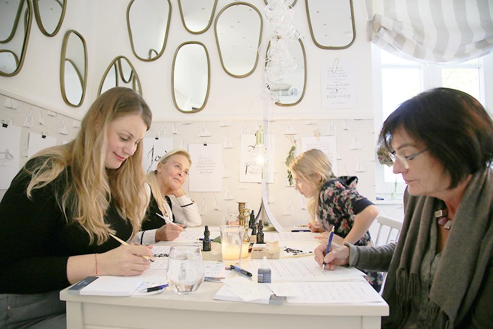 33 Kalligraphie Workshop Jeanette Mokosch | Villa Lotta (Lisa Jagenteufel) | Photograph (c) Maria Weiss