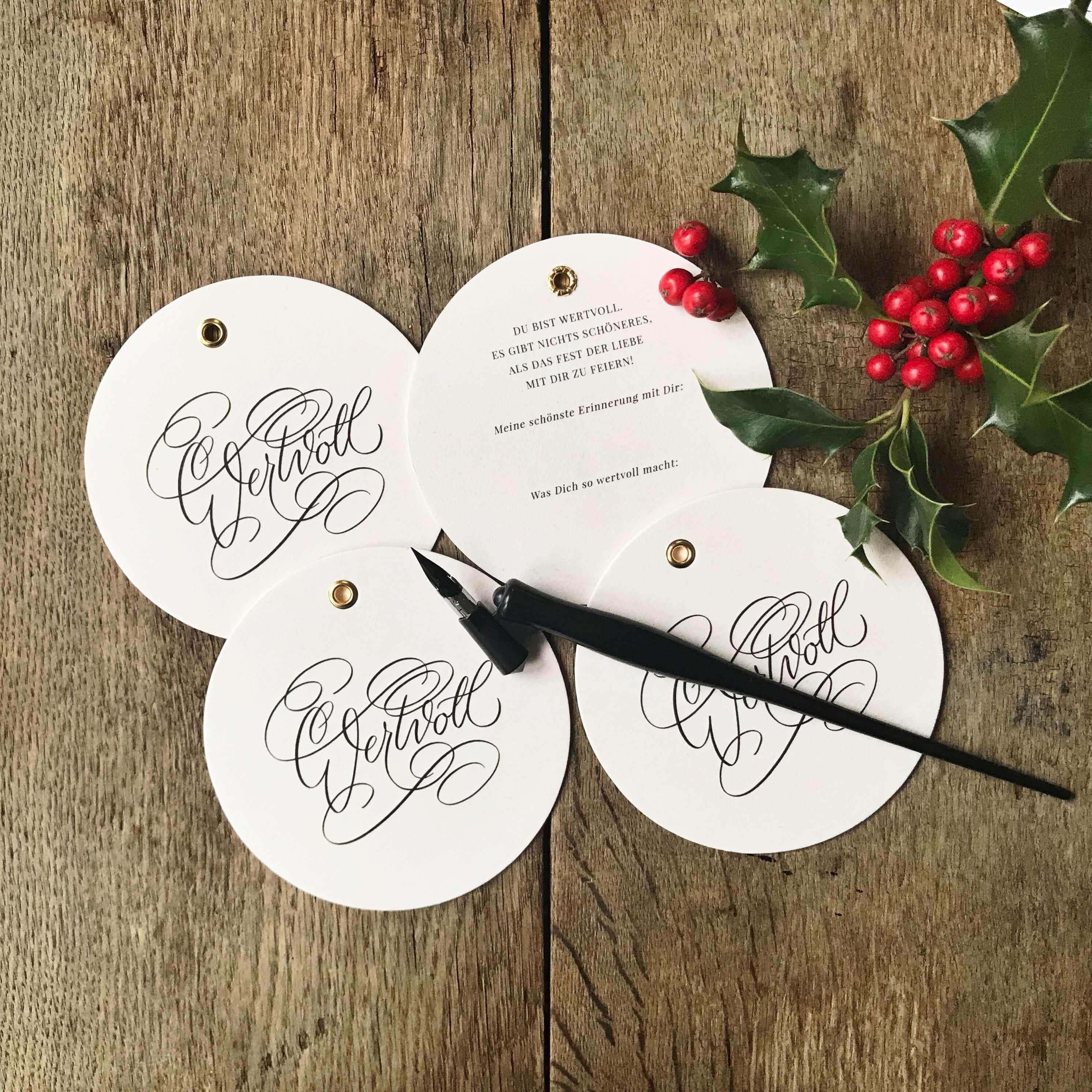 Weihnachtskugeln Kalligrafie Kalligraphie Kugeln Anhänger Weihnachten gold Weihnachtsdekoration Hand Lettering
