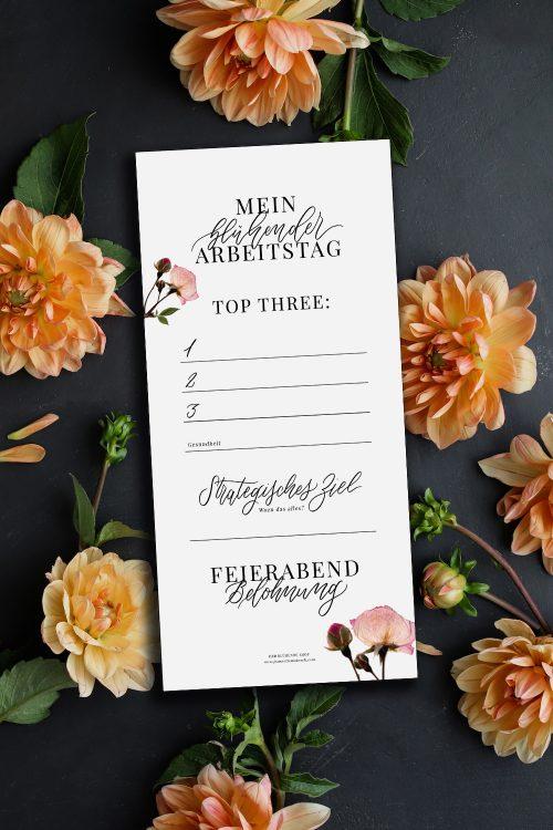Selbstständigkeit Kreativ Effektiv arbeiten Selbstständig Freebie Künstler Kalligrafie Kalligraphie Hand Lettering Checkliste Arbeitstag Erfolg erfolgreich To-Dos