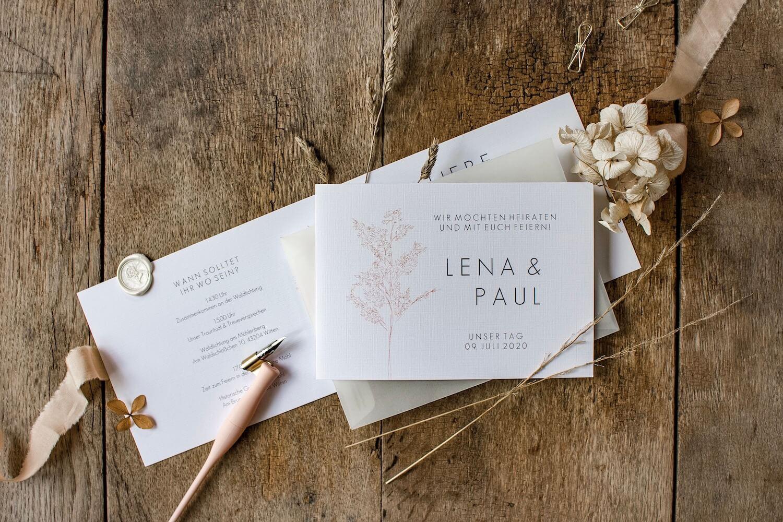 Hochzeitseinladung Einladung Hochzeit heiraten florale Illustration Ranken Blüten Rosen Kalligrafie Kalligraphie natürlich DIY Karten selbst gestalten machen Gräser Naturhochzeit Gartenhochzeit