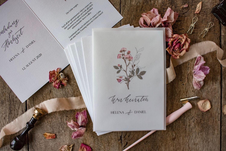 Hochzeitseinladung Einladung Hochzeit heiraten florale Illustration Ranken Blüten Rosen Kalligrafie Kalligraphie natürlich DIY Karten selbst gestalten machen